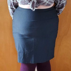 Dark blue knee high pencil skirt whit zip detail